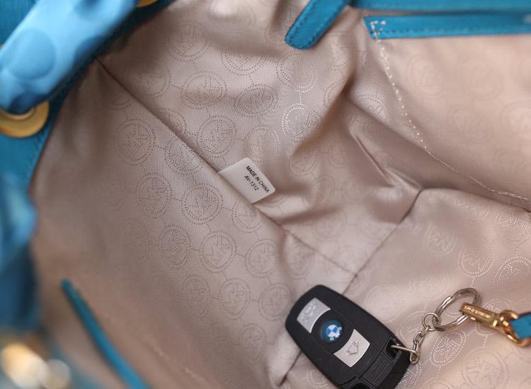 新款女包MK Michael Kors 十字纹牛皮蓝色蝴蝶结真丝巾购物袋单肩女包