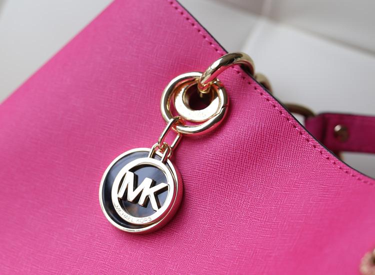 新款MK玳瑁包 Michael Kors 玫红原版十字纹牛皮手提包斜挎包