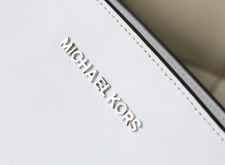 michael kors MK牛皮女包 侧孔圈圈铆钉包蝙蝠包 斜挎单肩包白色