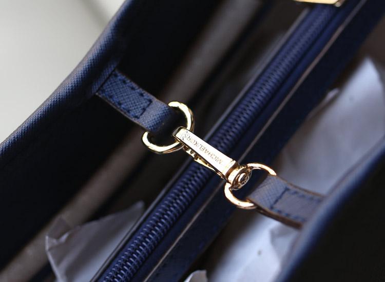 michael kors MK原版十字纹牛皮女士单肩包购物袋宝蓝