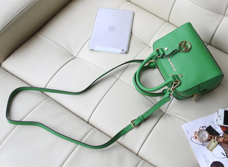 MK女包批发 专柜同步新款 原版牛皮枕头包小号 绿色