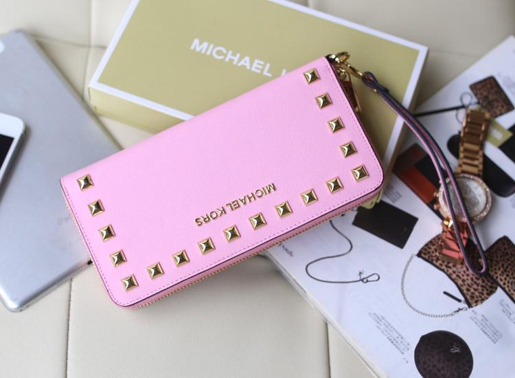 MK钱包批发 粉色原版皮十字纹牛皮 时尚女款铆钉钱包手拿包