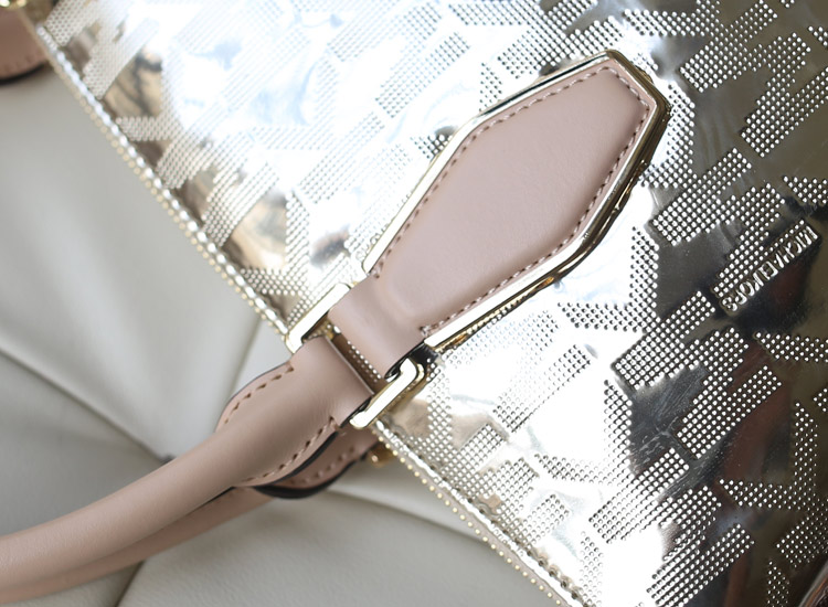 厂家直销 MK新款烫金字母水饺枕头包 手提单肩斜挎女包 金色