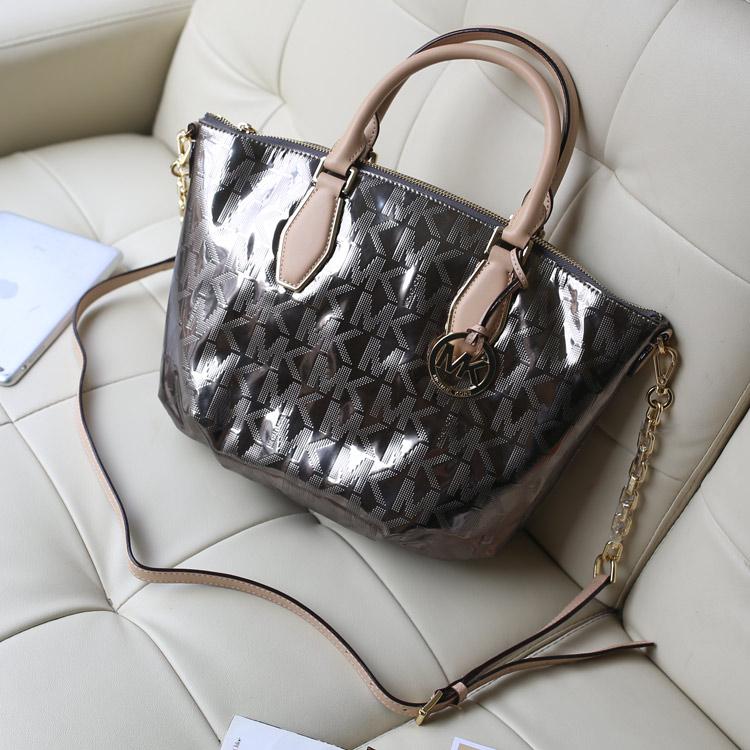 一件代发 MK包包原版皮 时尚烫金字母水饺包银灰色 真皮女包手提包