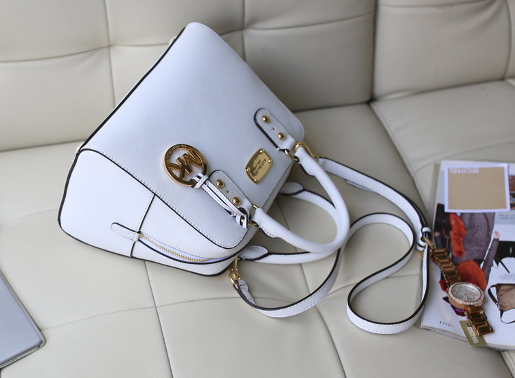 Michael Kors 欧美品牌MK十字纹牛皮枕头包贝壳包中号 白色女包