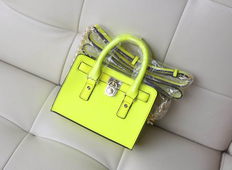 MK迷你锁头包新色荧光黄 粉色出货 原版十字牛皮单肩斜挎女包