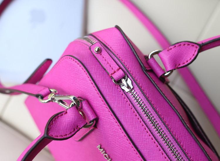 厂家直销 MK进口十字纹牛皮中号贝壳枕头包 荧光玫红 时尚真皮女包