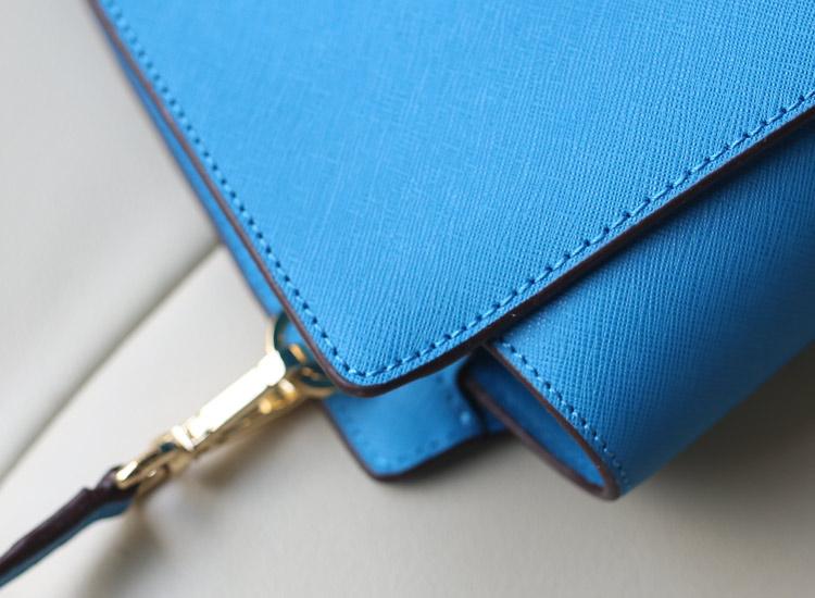MK Selma小号蝙蝠包耳朵包 原版十字纹牛皮 斜挎单肩女包 天蓝色