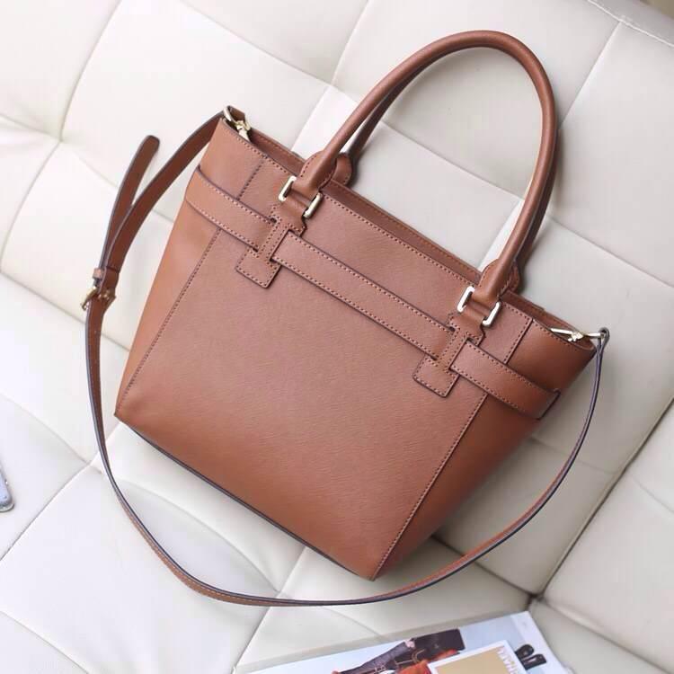 厂家直销 MK包包顶级货源 进口十字纹牛皮 专柜同步新款锁头包 棕色
