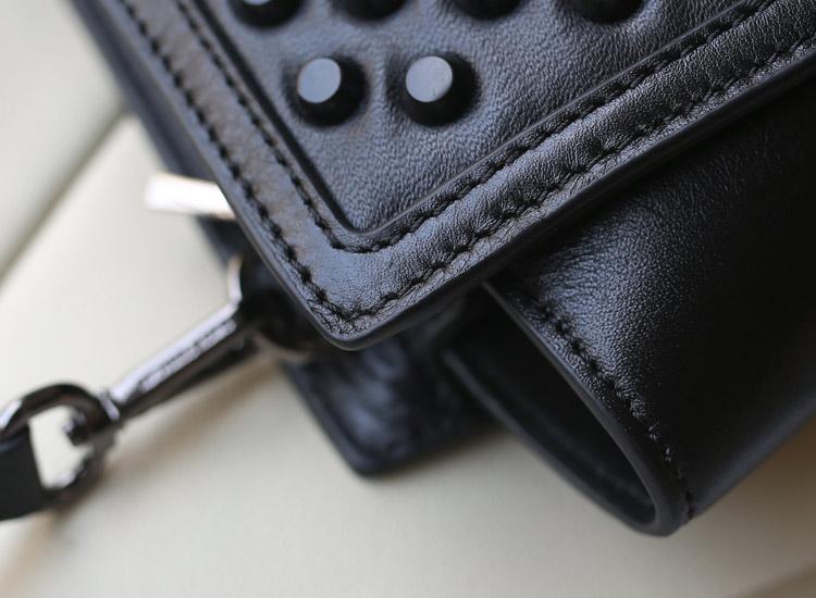 厂家直销 MK原版头层牛皮金属钉蝙蝠笑脸包小号 黑色单肩包斜挎包23cm
