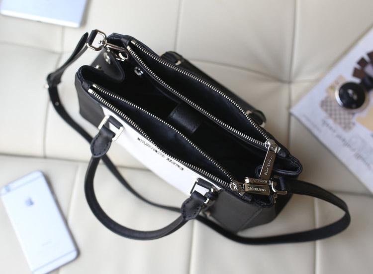 奢侈品包包批发 MK进口十字纹牛皮小号杀手包黑色拼白色 时尚女士手提单肩包
