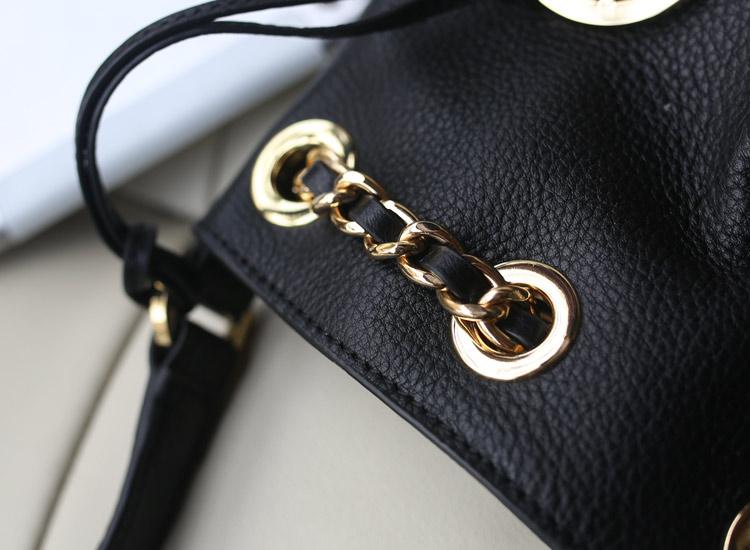 MK包包顶级货源 秋冬新款韩国进口头层小牛皮链条水桶包 黑色 女士手提包单肩包