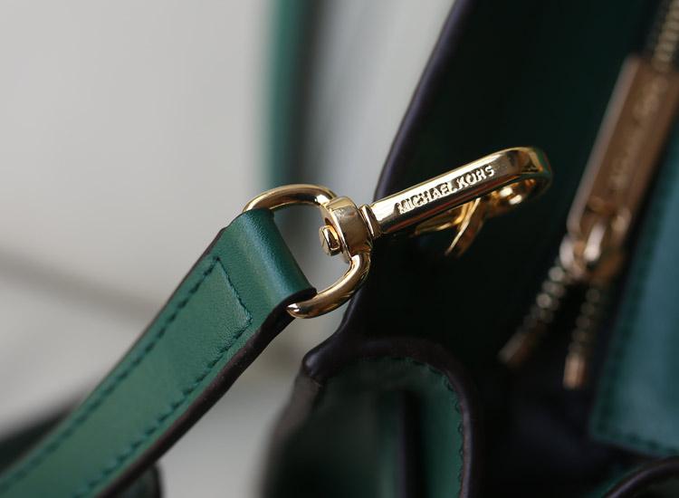 Michael Kors MK秋冬新款小号蝙蝠锁头包原版头层牛皮 浅绿色 女士单肩包斜挎包