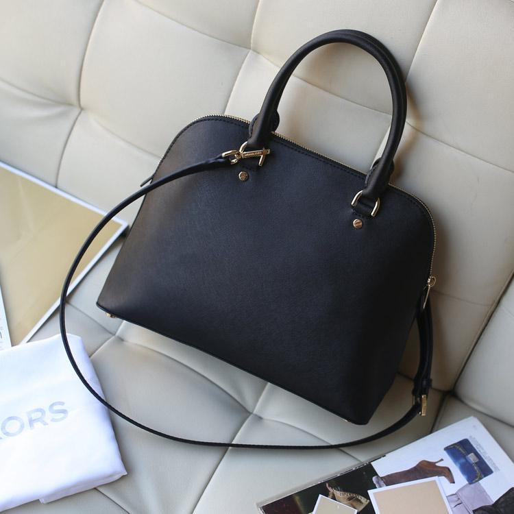 奢侈品包包代购 Michael Kors 2015年专柜同步新款十字纹牛皮贝壳包中号 黑色