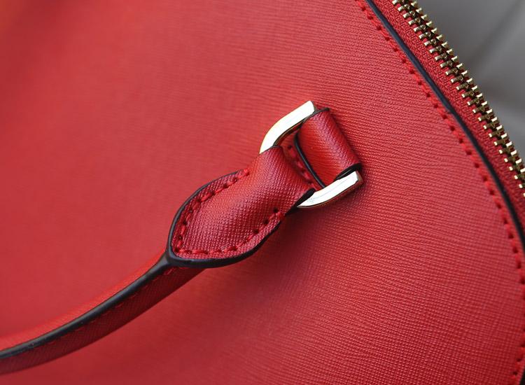 MK包包诚招代理 红色原版进口十字纹牛皮贝壳包中号 女款手提斜挎包