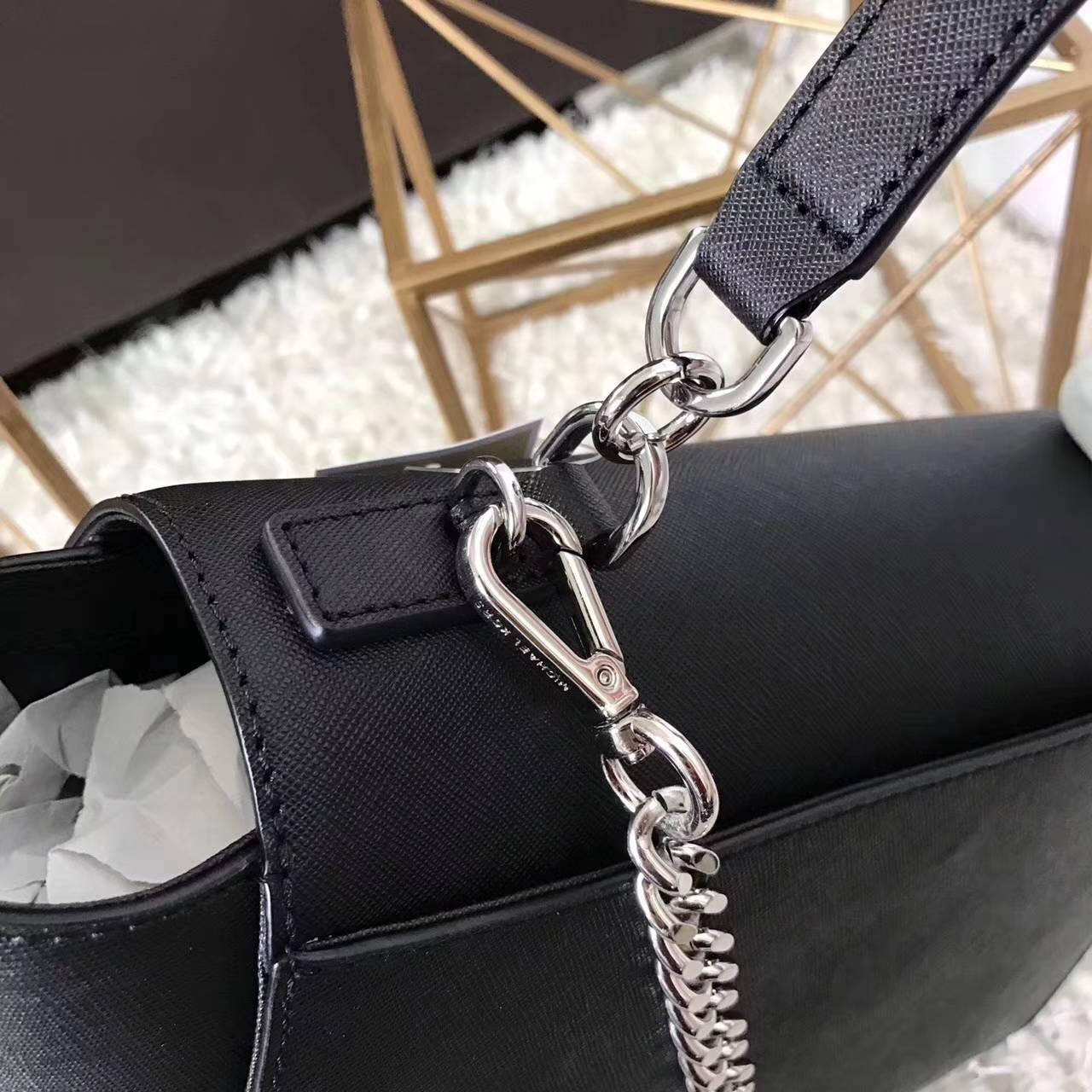 MK2017年新款女包 迈克科尔斯黑色原单十字纹牛皮秋千包手提包26CM