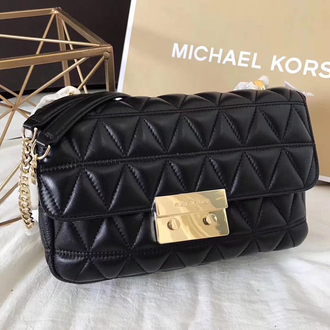 MK包包价格 迈克尔高仕黑色进口原版羊皮三角纹链条包大号27CM