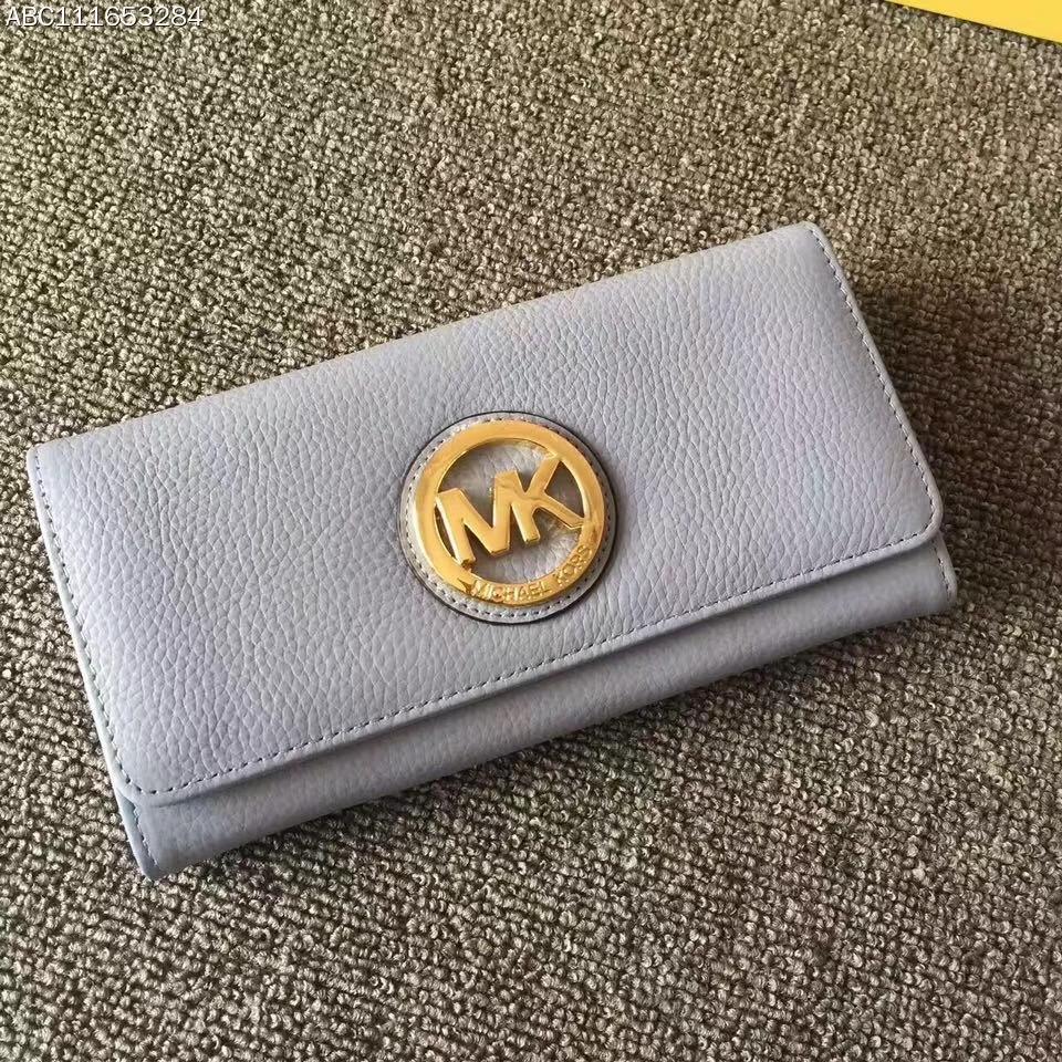 MK钱包价格 迈克高仕浅蓝色荔枝纹牛皮金牌LOGO三折钱夹手包20cm
