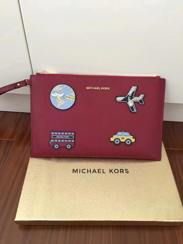 mk新款女包 迈克科尔斯红色十字纹牛皮自由贴拉链手包29cm