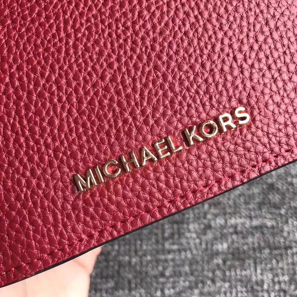 迈克科尔斯MK新款钱包 荔枝纹牛皮杨幂同款Mercer吸扣钱夹10cm 红色