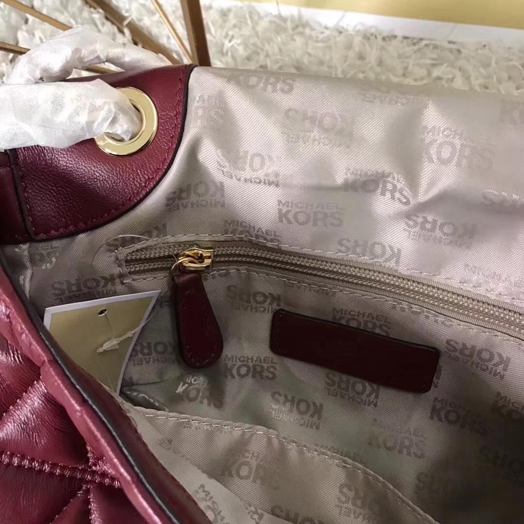 MK新款包包 迈克科尔斯酒红色羊皮三角刺绣链条单肩女包中号24cm