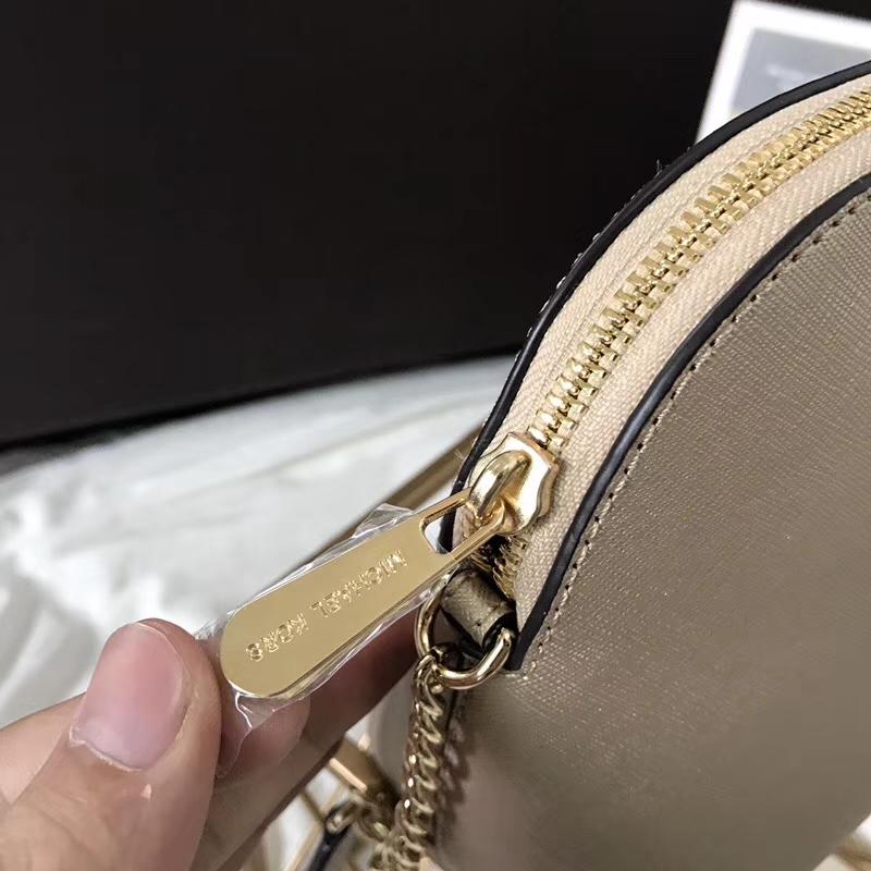迈克科尔斯包包 MK原单十字纹牛皮小号贝壳包链条斜挎包23cm 香槟金色