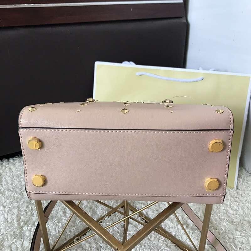 MK新款女包 迈克科尔斯进口手掌纹牛皮铆钉手提包女包23.5cm 粉色