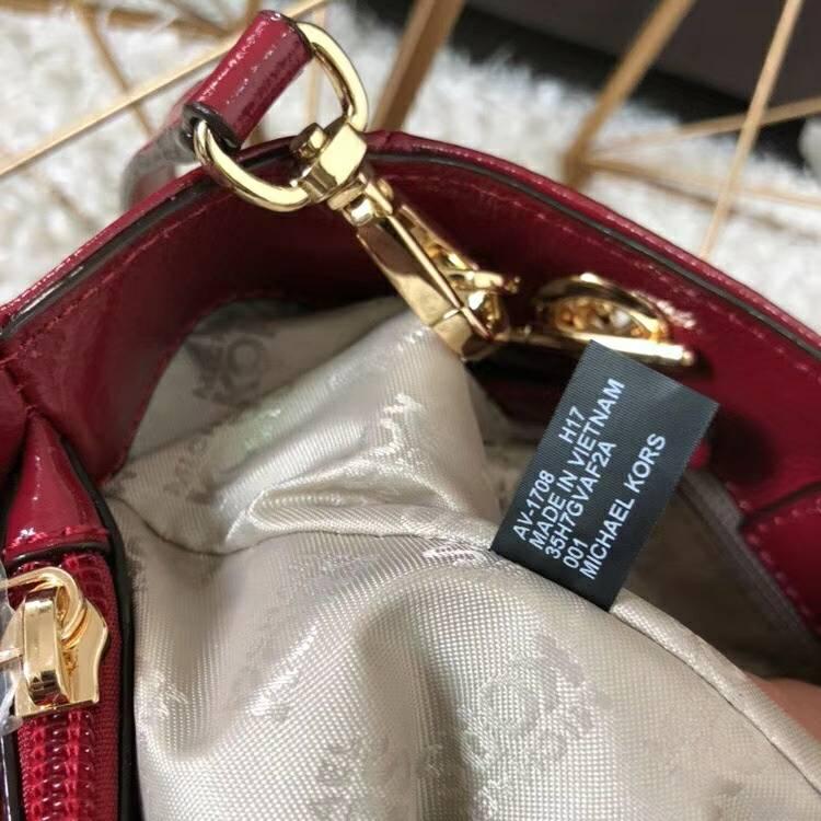 迈克高仕女包 MK新款菱格纹漆皮小号戴妃包单肩斜挎包包 樱桃红