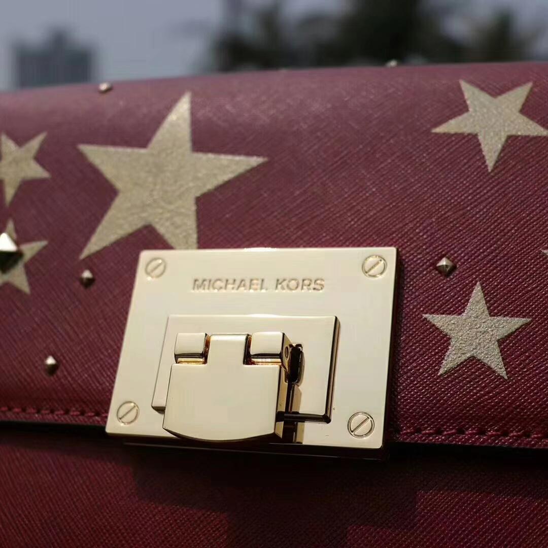 MK新款女包 迈克高仕红色十字纹牛皮铆钉星星印花链条单肩斜挎包17cm