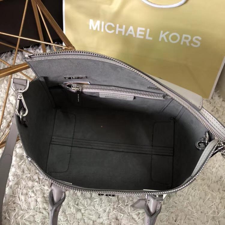 MK新款女包 迈克高仕灰拼白进口纳帕牛皮大号耳朵包手提包30cm