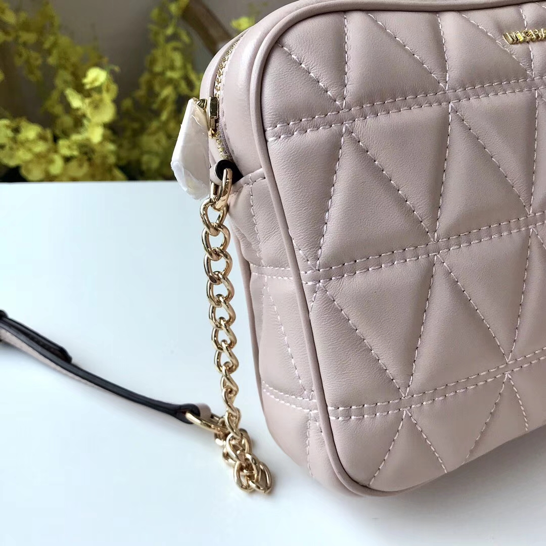 MK2018新款女包 迈克科尔斯粉色原单小羊皮三角纹斜挎小方包23cm