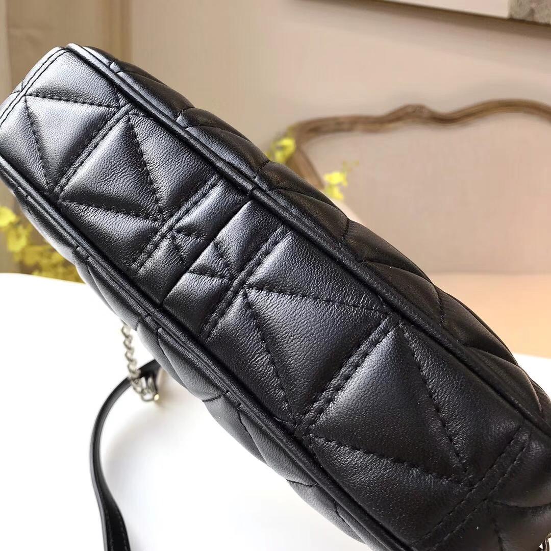 MK新款女包 迈克科尔斯原单三角纹小羊皮链条包单肩斜挎方包23cm 黑色