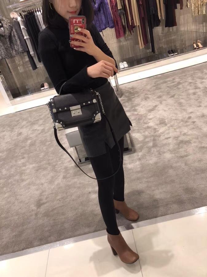 迈克科尔斯包包 MK2018新款荔枝纹牛皮复古Cori手提包单肩女包 黑色