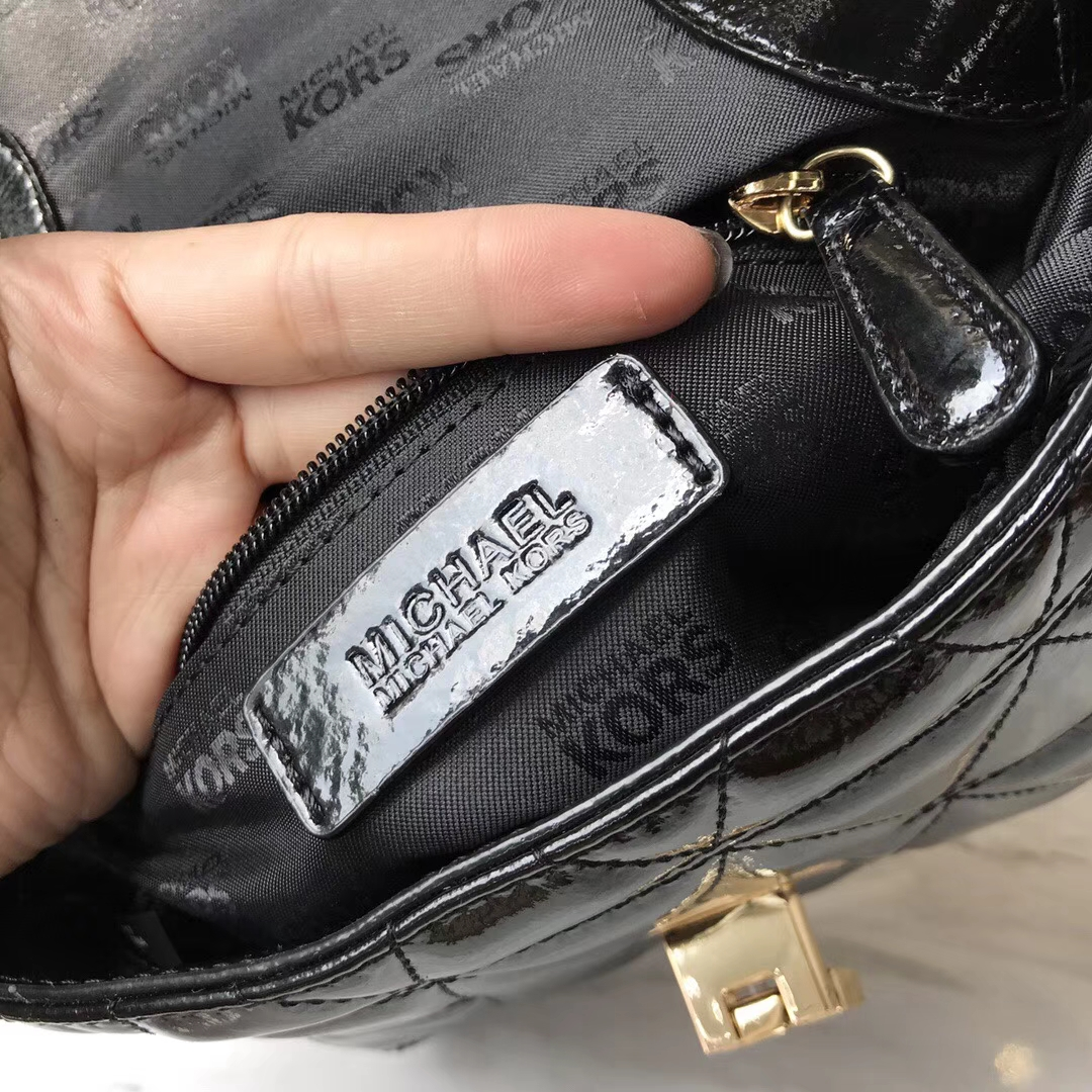 MK新款女包 迈克高仕原单漆皮菱格链条单肩包20cm 黑色