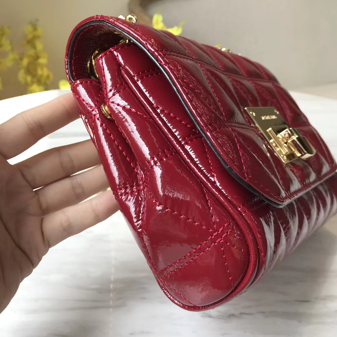 迈克科尔斯新款包包 MK2018新款女包 樱桃红原单漆皮链条单肩包20CM