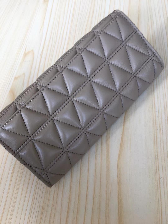 迈克高仕官网 MK灰色v型进口羊皮长款钱夹钱包手拿包20cm 灰色