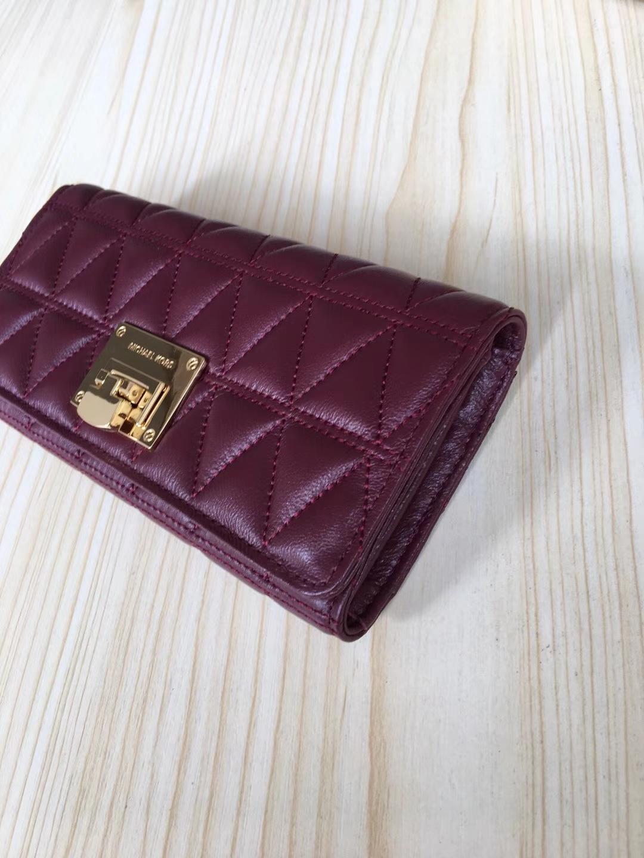 厂家直销 迈克科尔斯MK酒红色原单V纹羊皮长款钱夹手拿包20cm