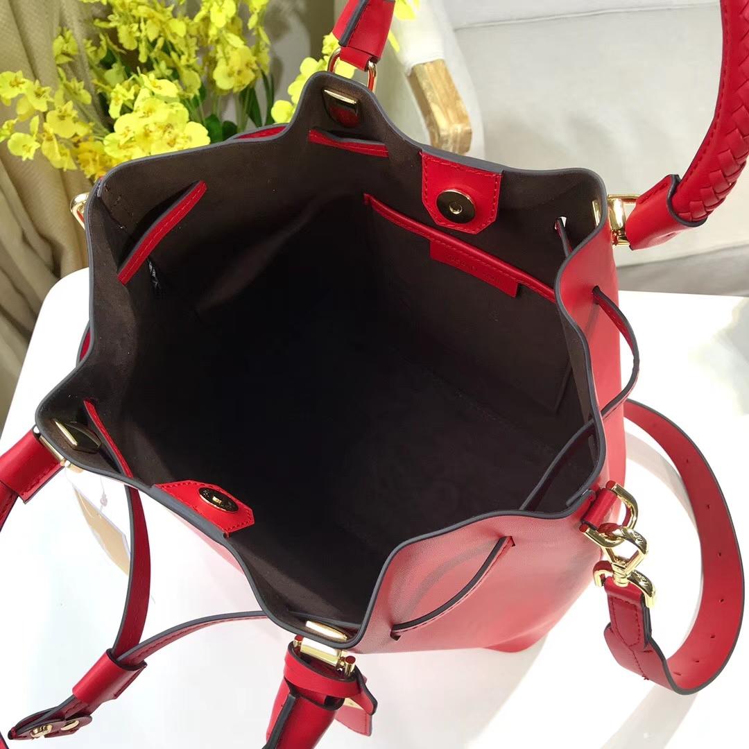 迈克高仕新款包包 MK纳帕牛皮编织手柄Bucket水桶包手提单肩女包 红色