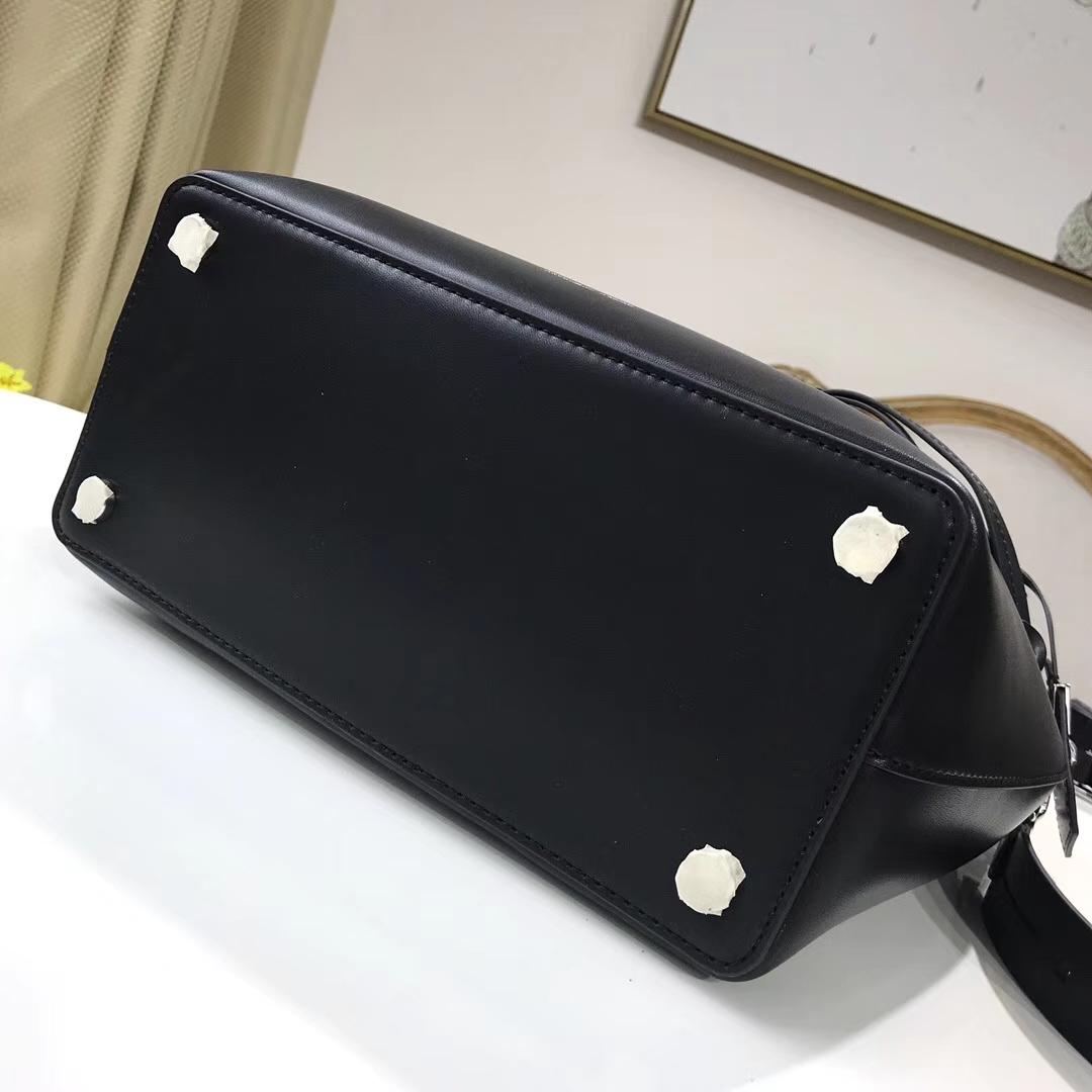 MK包包批发 迈克科尔斯黑色纳帕牛皮Bucket手袋新款女包编织手柄水桶包