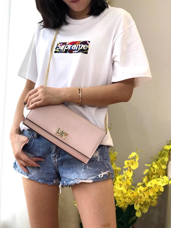 MK女包价格 迈克科尔斯纳帕牛皮链条单肩斜挎包包24CM 裸粉色