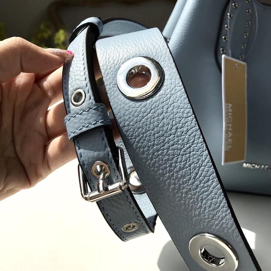 MK2018新款女包 MK浅蓝色纯原荔枝纹牛皮新款鸡眼变型包手提斜挎包包25CM