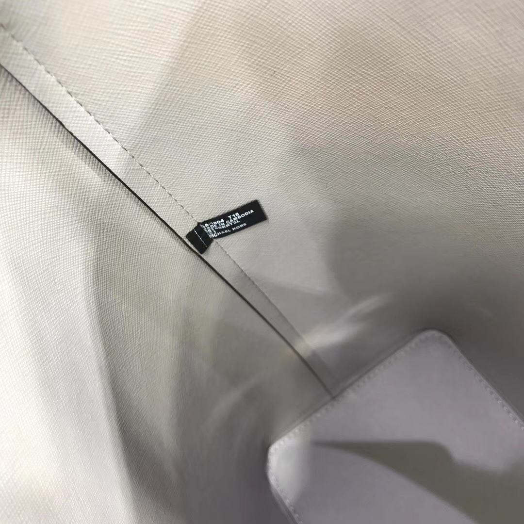 MK2018新款女包 迈克科尔斯灰色荔枝纹牛皮单肩妈咪袋购物袋30CM