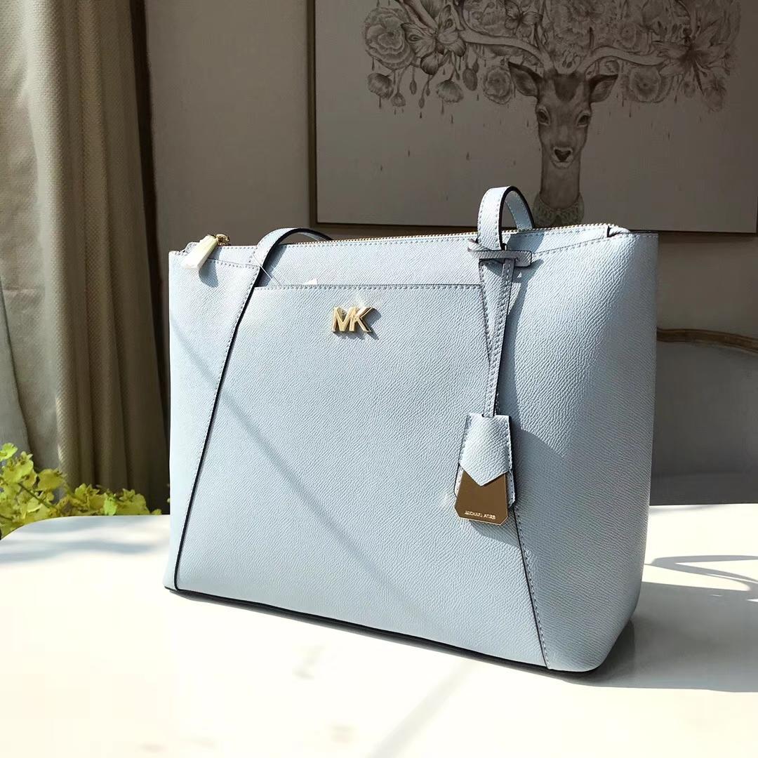 MK2018新款女包 迈克高仕进口顶级牛皮新款购物袋单肩包33CM 浅蓝色