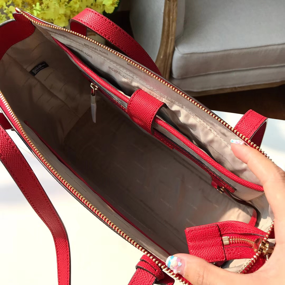 厂家直销 MK迈克科尔斯大红色十字纹牛皮单肩包购物袋妈咪包
