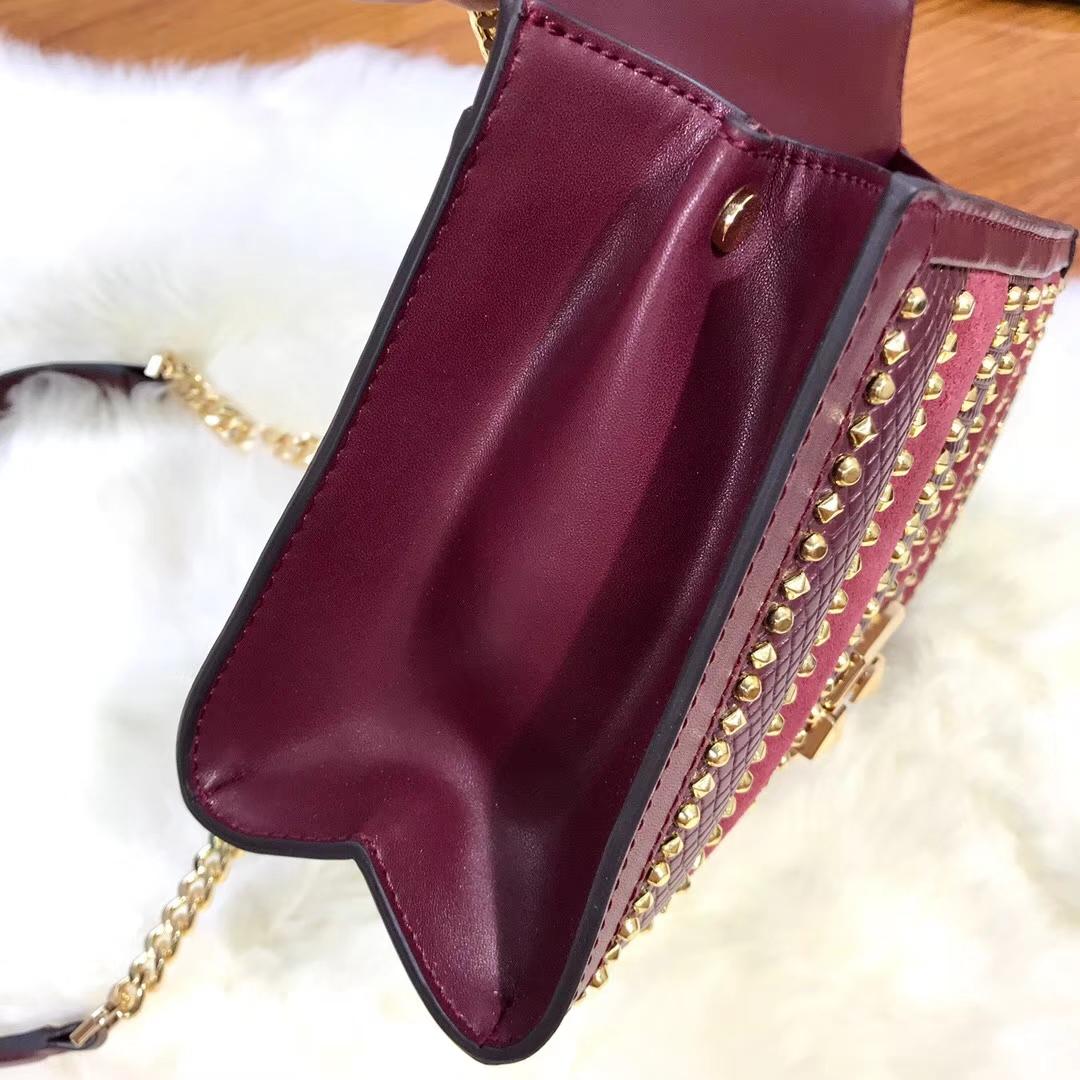 广州包包批发 MK迈克科尔斯新款Whitney女包铆钉拼皮链条单肩包 酒红色