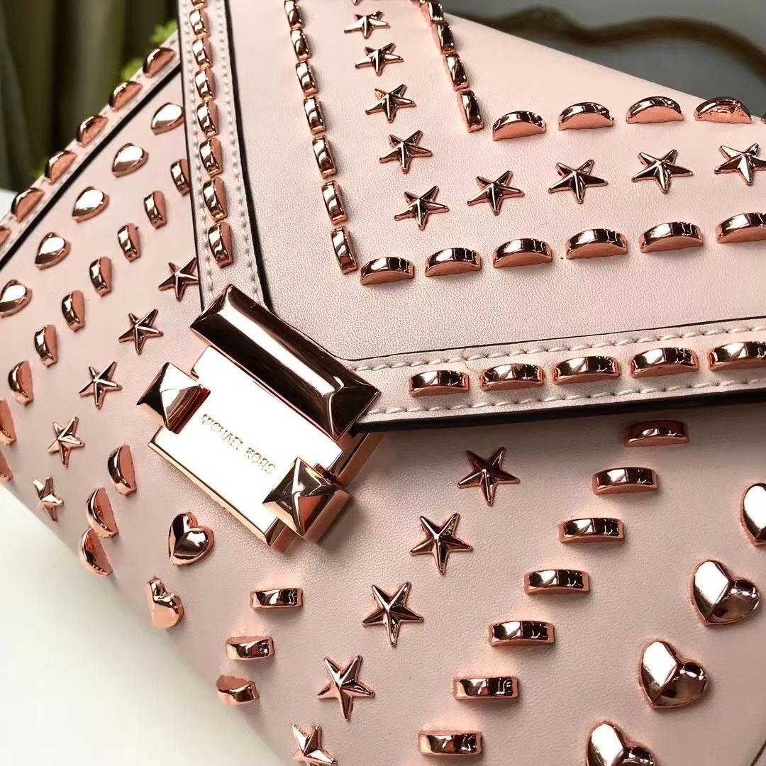 MK2018新款女包 迈克科尔斯心形铆钉杨幂款Whitney链条单肩包 粉色