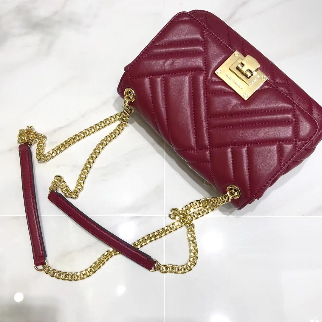 MK秋冬新款女包 迈克科尔斯交错线条设计羊皮链条包单肩斜挎包 红色