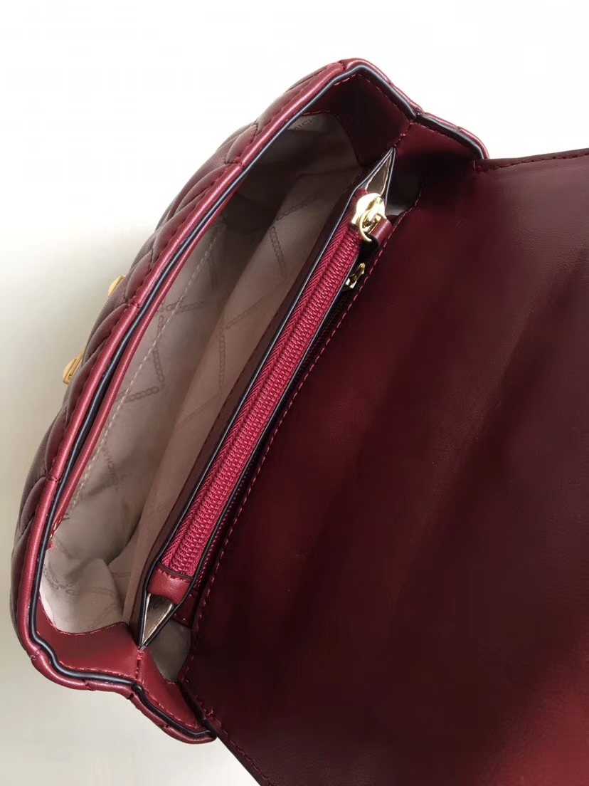 迈克高仕女包 MK2019新款花瓣绣花羊皮单肩斜挎女包21CM 酒红色