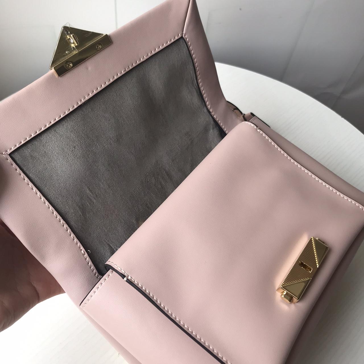 MK包包价格 迈克高仕2019杨幂同款新款Cece纳帕牛皮女包单肩斜挎包 粉色