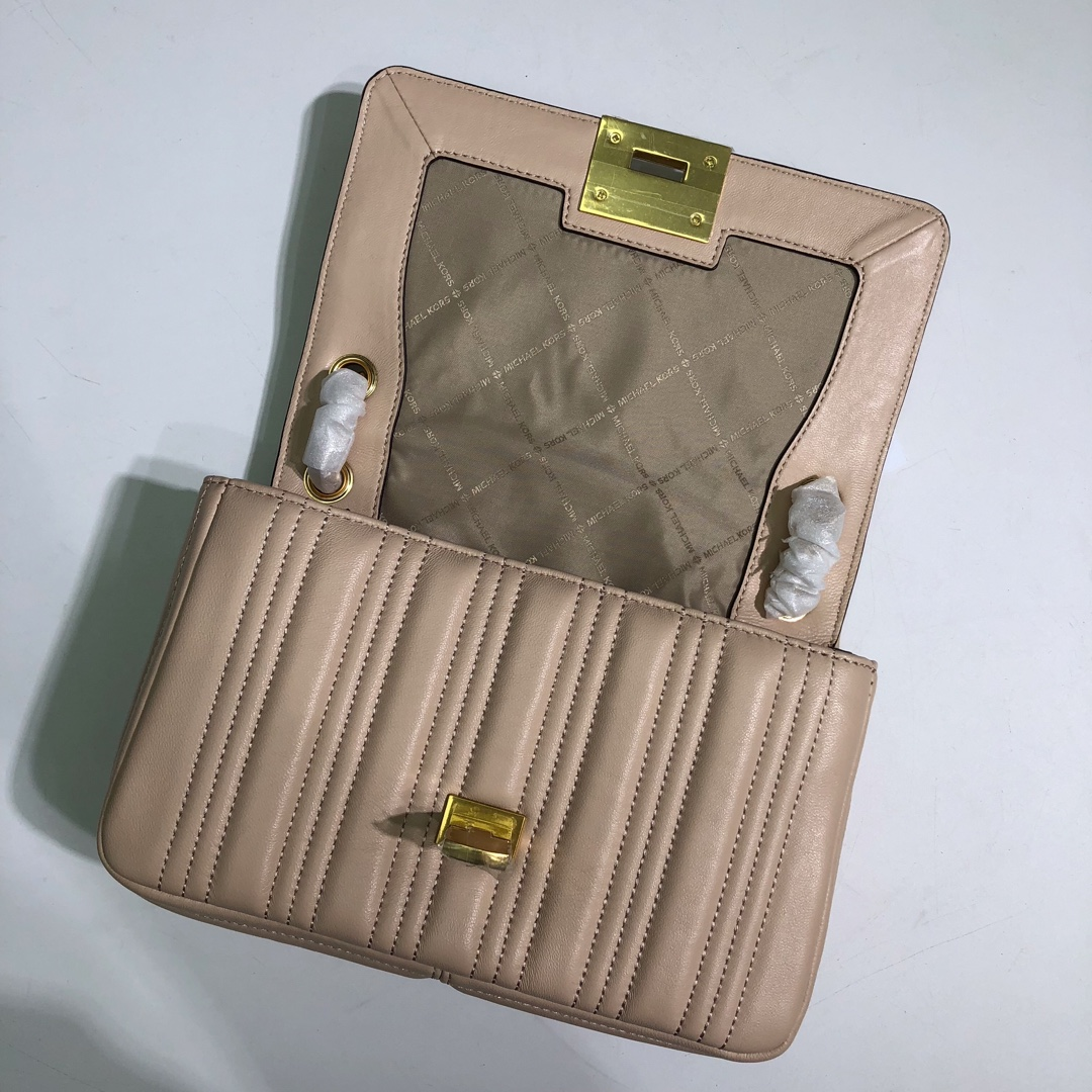 MK包包价格 迈克高仕MK2019新款山茶花刺绣粉色羊皮包包链条单肩斜挎包26CM